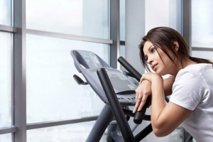 the-tired-girl-on-treadmill-667x444