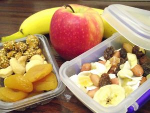 Healthy-Snacks-In-Workplace-600x450